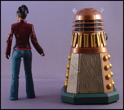 Dalek Thay and Martha from behind!